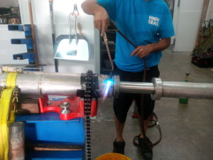Welding stainless steel cylinders